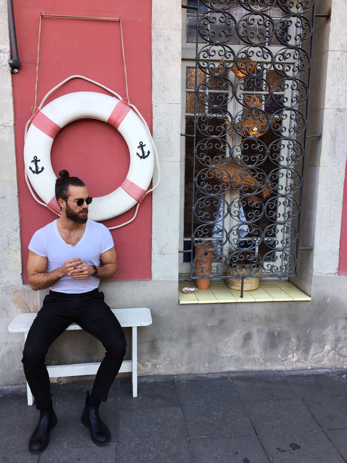 HankGe, Hank Ge, male blogger, barcelona, City Guide, fullbeard, manbun
