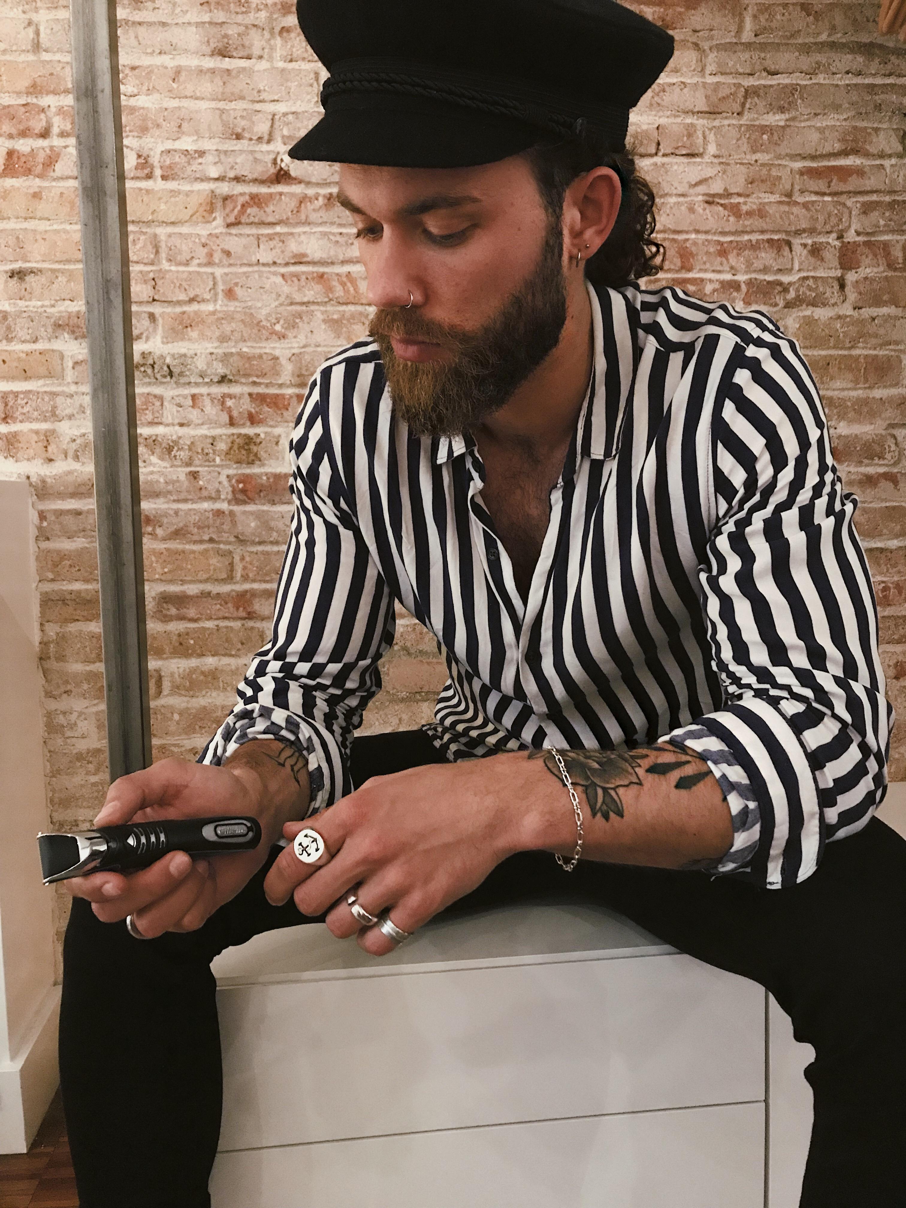 Bartwachstum , Bart wachsen lassen, Bart stutzen, Bartprodukte, Bartpflege